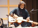 Highlight for Album: V.M. Bhatt (May 14, 2005 at Glenn Gould Studio)