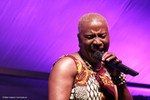 kidjo10_118aw.jpg