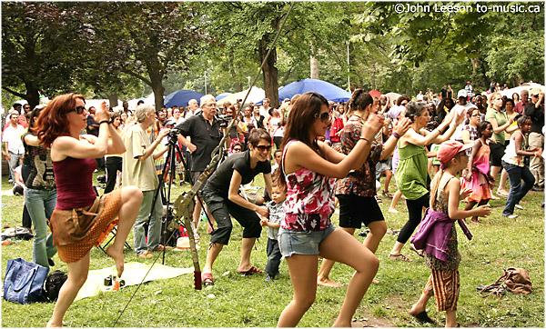 Dancing with Saba afrof09su_092acr.jpg